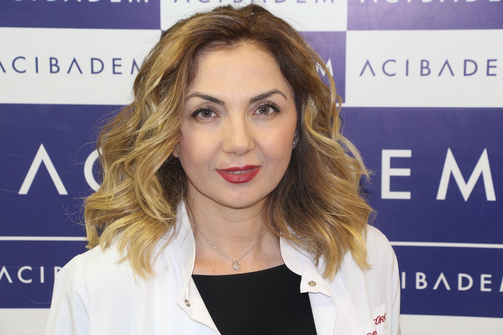 Acıbadem Kadıköy Hastanesi Kadın Hastalıkları ve Doğum Uzmanı Dr. Funda Öztürk