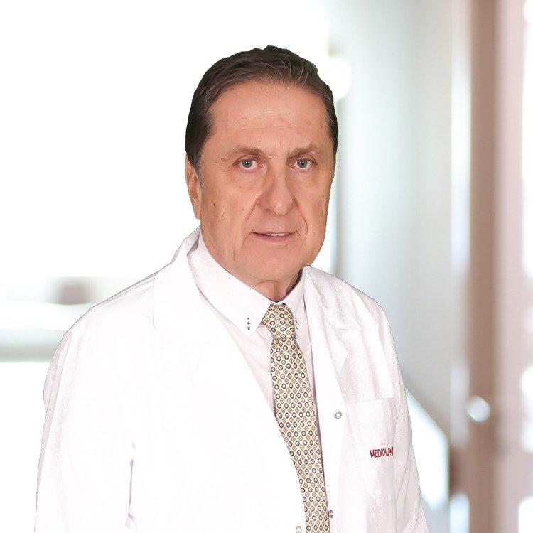 Medical Park Fatih Hastanesi İç Hastalıkları Uzmanı Prof. Dr. Ziya Mocan