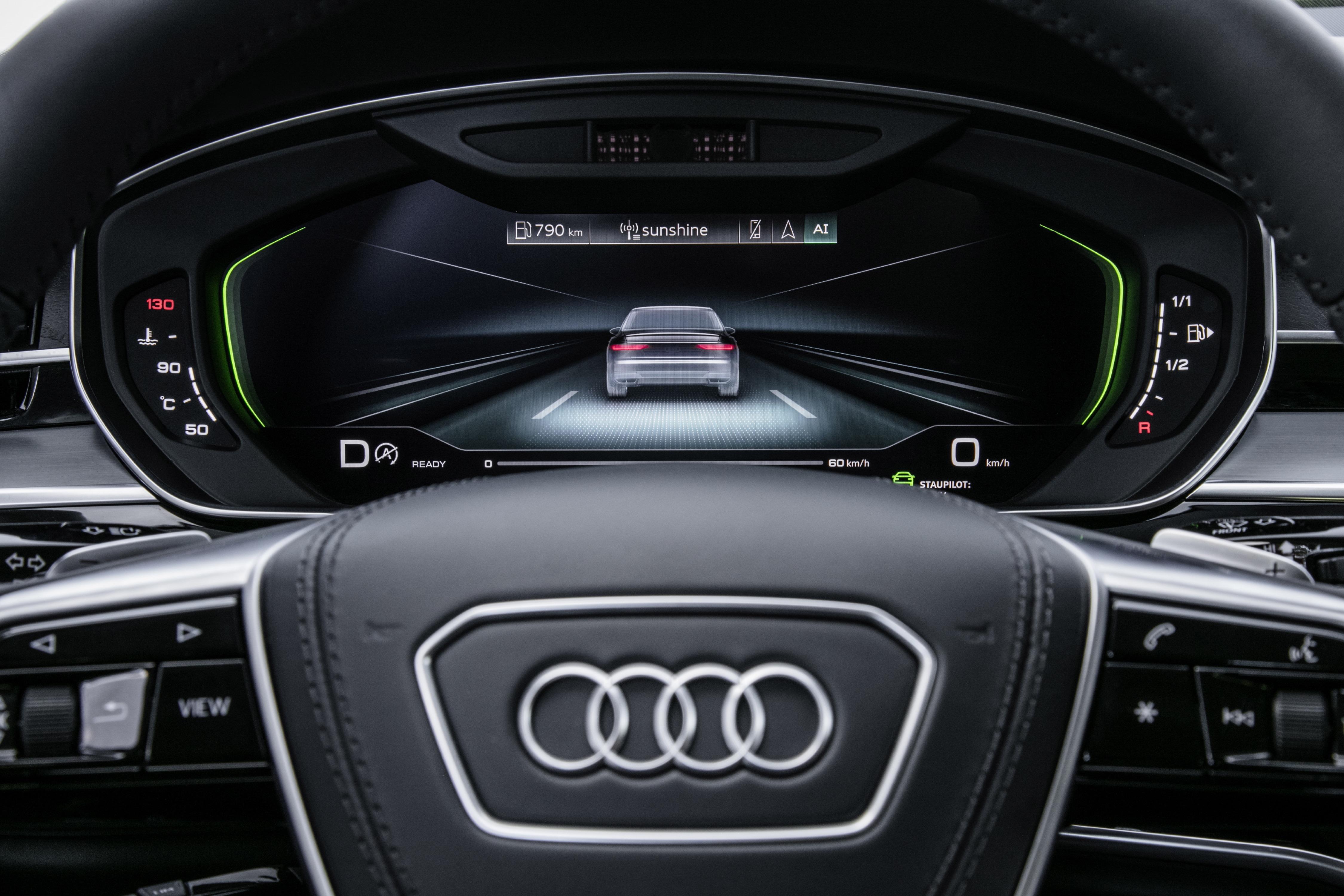 Audi A8 AI sıkışık trafik pilotu