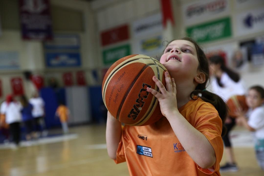 Kadıköy Belediyesi Çocuklar için Kış Spor Okulu