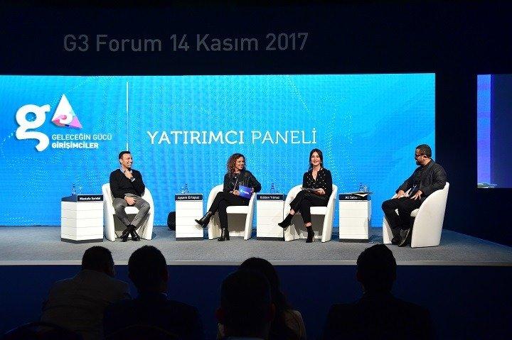 Mustafa Sandal, (Soldan sağa) Turkcell Dijital Servisler ve İş Ortaklıkları Genel Müdür Yardımcısı Ayşem Ertopuz, G3 Platform Başkanı Gülden Yılmaz ve TOBB Genç Girişimciler Kurulu Başkanı Ali Sabancı'nın sorularını yanıtladı.