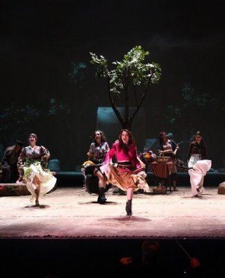 İBB Şehir Tiyatroları Çingeneler Gökyüzünde Yaşar